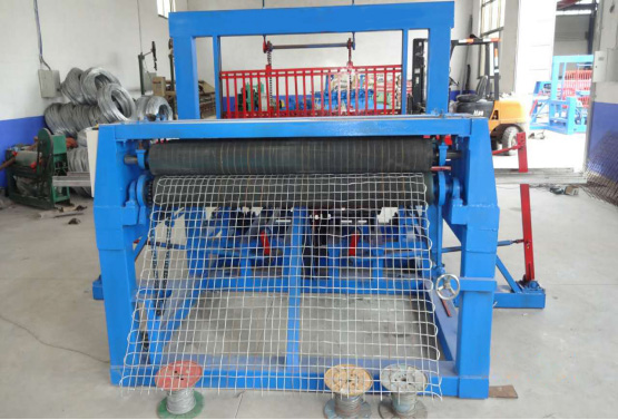 Automatic mining wire mesh machine